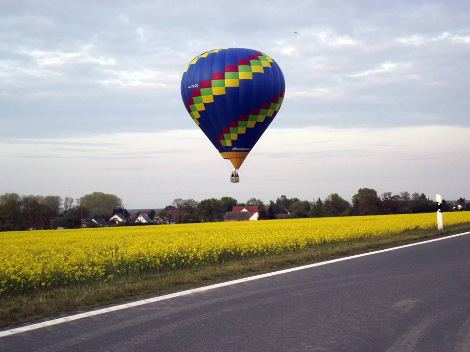 3 schöne Landungen direkt auf Staße oder Weg