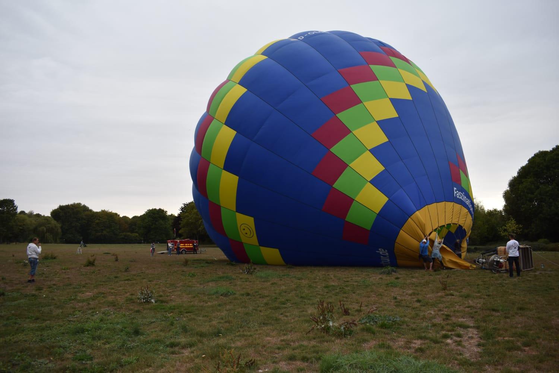 Heißluftballon aufgeblasen