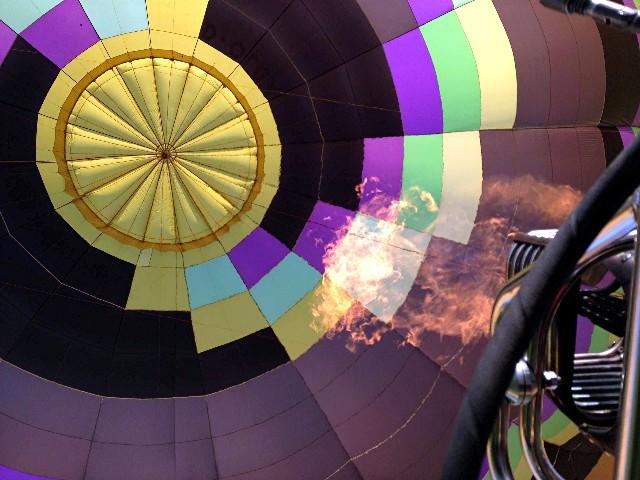 2014_die flamme und der ballon.jpg
