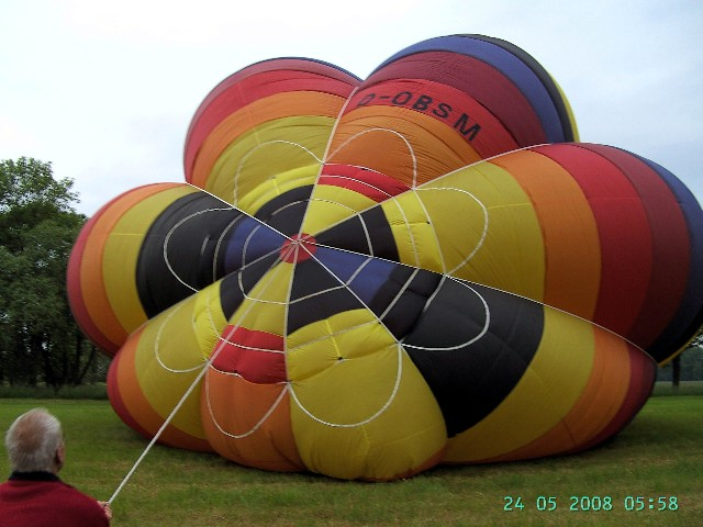 2008_die parachute ist zu.JPG